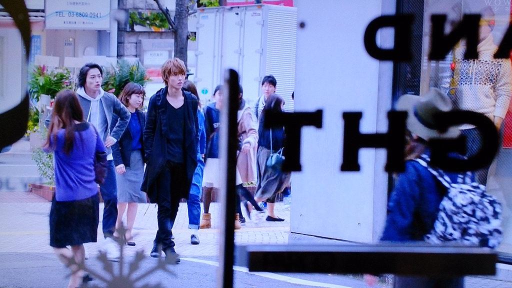 渋谷を歩く恭也